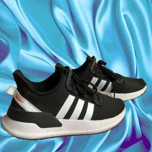 Adidas Tennis Shoe🦋